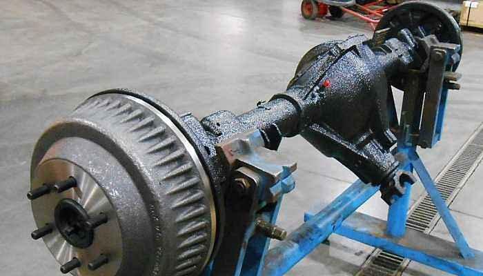 Diferencial con eje montado en soportes