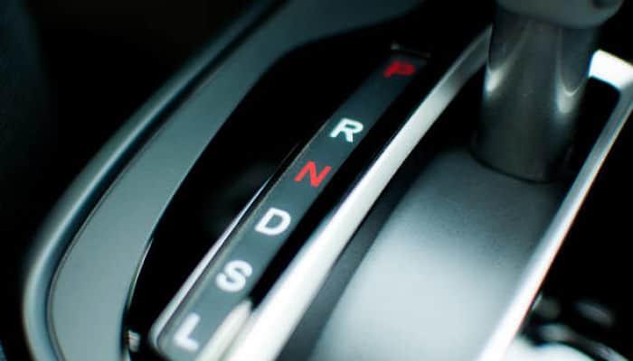 Cómo Conducir un Coche Automático